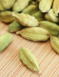 01-Benefits-of-Spices-Cardamom-1